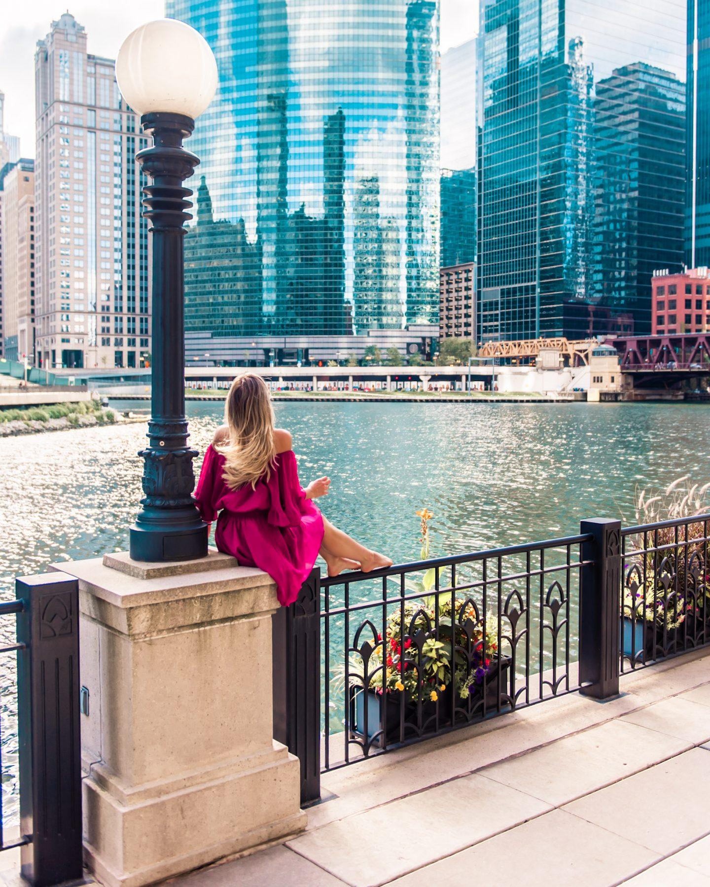 Instagram worthy places in chicago the riverwalk