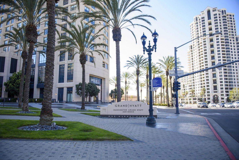 Grand Hyatt San Diego entrance