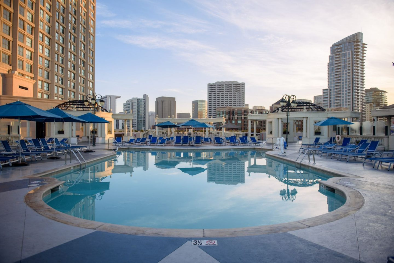 The rooftop pool at Grand Hyatt Hotel in San Diego California