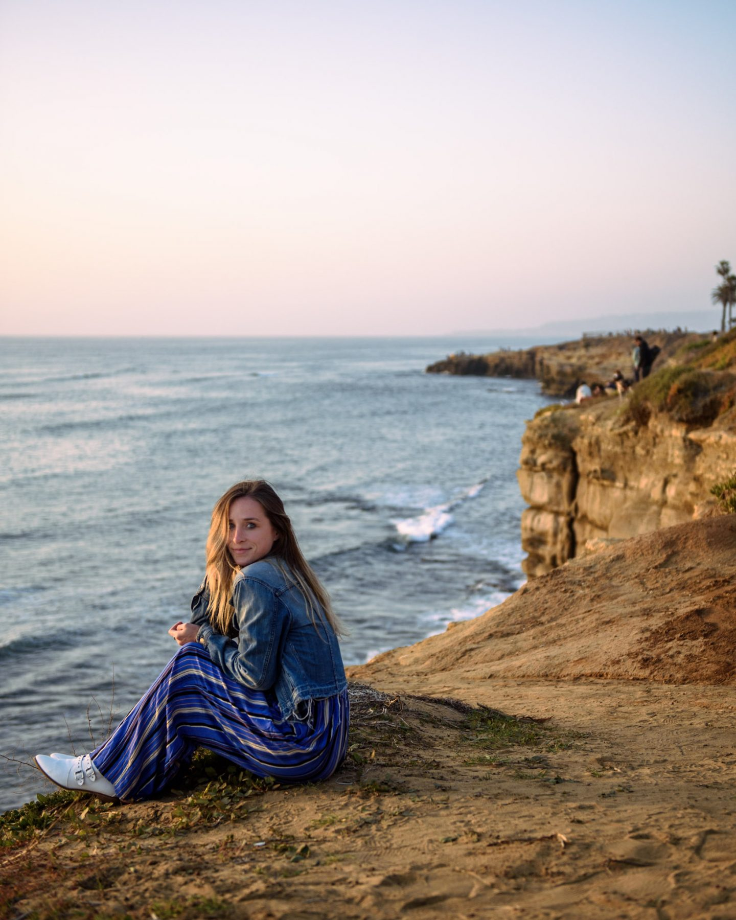 watching sunset at sunset cliffs in san diego california