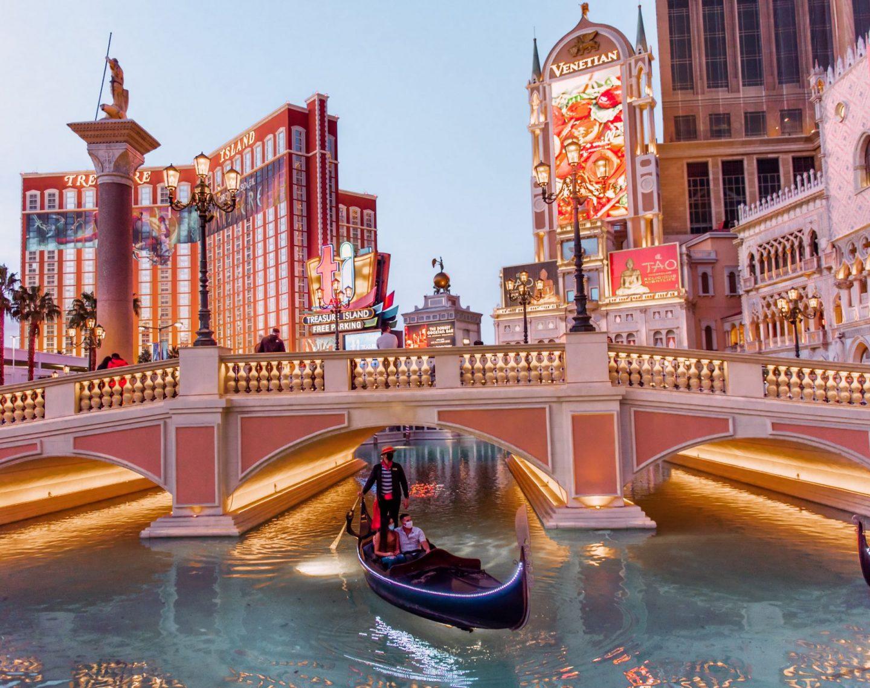 Las Vegas Photo Spots: 9 Places You Can't Miss